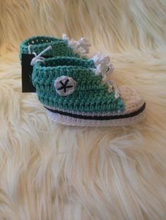 Kosetøfler til baby Converse, Beanie, Baby, Shopping, Fashion, Moda, Fashion Styles, Beanies, Baby Humor
