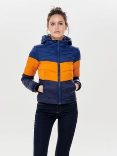 619d4a13 Short quilted jacket with hood | Hood with elastic strings | Zipper at  front | 2
