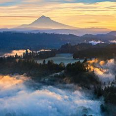 Mt Hood at sun up. Oregon