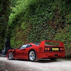 Ferrari F40, Spotlight, Super Cars, Salons, Instagram, Lounges