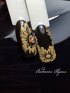 black and gold nail art