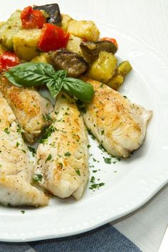 Weight Watchers Dijon Fish Fillets Recipe Fish Recipes Diet, Ww Recipes, Seafood Recipes, Healthy Recipes, Recipes Dinner, Healthy Foods, Plats Weight Watchers, Weight Watcher Dinners, Weight Watchers Chicken