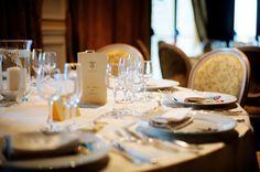 #winter #seaside #wedding #Circeo #Italy Raffinatissimo ed essenziale l'allestimento che esalta l'argento della posateria e la ricchezza del tovagliato