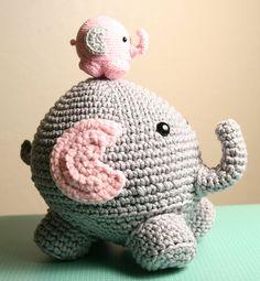 Kijk wat ik gevonden heb op Freubelweb.nl: een gratis haakpatroon om deze leuke olifantjes te maken https://www.freubelweb.nl/freubel-zelf/zelf-maken-met-haakkatoen-olifant-2/