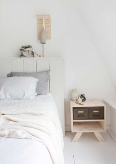 A DUTCH HOME WITH HANDMADE FURNITURE PIECES | THE STYLE FILES