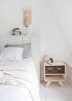 lichte slaapkamer | light bedroom | vtwonen 11-2016 | photography: Jeltje Fotografie | styling: Jeltje Fotografie