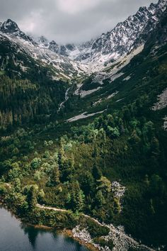 11 Wonderful Camping Pics Aerial Shot Of Mountains Portrait Photography Tips, Dslr Photography, Types Of Photography, World Photography, Forest Pictures, Nature Photos, Europe, Explore, Mountains