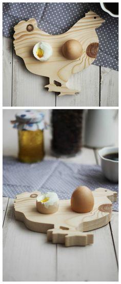 Witziges Frühstücksbrett in Form einer Henne für den Frühstückstisch, Deko Küche / kitchen decoration: wooden cutting board in shape of a chicken, funny home decor via DaWanda.com