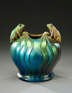 vilmos-zsolnaya-rounded-vase-in-iridescent-enameled-ceramic-representing-two-frogscirca-1900