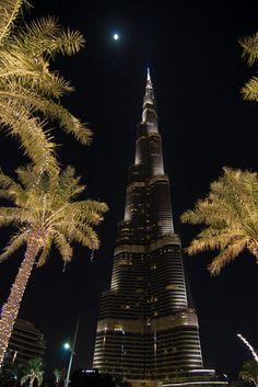 Dubai and Burj Khalifa, amazing place! Dubai Uae, Tom Cruise, Burj Khalifa, Amazing Architecture, Amazing Places, The Good Place, Art Photography, Traveling, Spaces