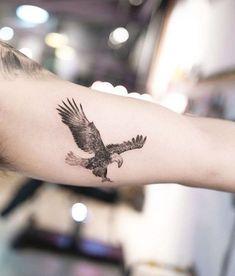 37 Small Eagle Tattoo Designs For Men - Tattoos - Bird Tattoos Arm, Eagle Tattoos, Side Tattoos, Body Art Tattoos, New Tattoos, Tribal Tattoos, Sleeve Tattoos, Cool Tattoos, Tattoo Bird