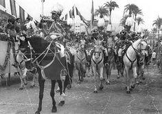 Murcia, 14-4-1971.- Banda de trompetas de la Sección montada de la policía de Barcelona en el desfile de la Batalla de las Flores celebrado hoy en Murcia. EFE/LÓPEZ/ps. lafototeca.com Image : efesptwo058204
