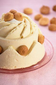 Bitterkoekjespudding - Robèrt van Beckhoven Dutch Recipes, Cooking Recipes, Best Chocolate Desserts, Panna Cotta, Mousse Dessert, British Baking, Pudding Desserts, Xmas Food, Dessert Buffet