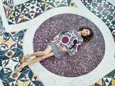 Margareth Madé for #OVSArtsOfItaly!  L'attrice e modella italiana indossa i colori dei mosaici della cattedrale di Salerno. Scopri di più su artsofitaly.ovs.it!
