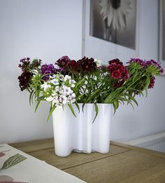 Vase by @iittala supplied by @Skandic Hus photography by yours truly.