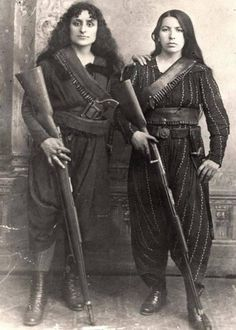 -Two Armenian women pose with their Rifles before going to War against the Ottomans , 1895 !