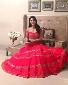 Indian Actress Rashi Khanna Long Hair Stills in Black Dress Indian Designer Outfits, Indian Outfits, Designer Dresses, Indian Wedding Gowns, Bollywood Actress Hot Photos, Bollywood Actors, Stylish Dress Designs, Kurti Designs Party Wear, Dress Hairstyles