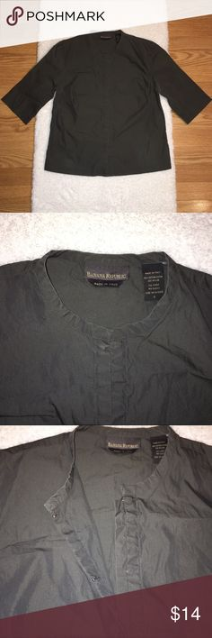 Banana Republic Blouse Size Small, 17' from armpit to armpit 80% cotton 20% nylon made in Italy, has hook and eye closure, sleeves measure 7.5' from armpit to cuff, dark gray color in good condition Banana Republic Tops Blouses