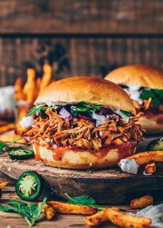 Barbecue Sauce Recipes, Pulled Pork Recipes, Meat Recipes, Vegetarian Recipes, Burger Recipes, Vegetarian Wraps, Pork Barbecue, Rabbit Recipes, Bbq Bacon