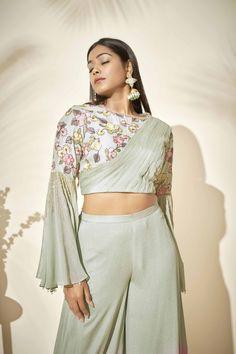 Indian Gowns Dresses, Indian Fashion Dresses, Indian Designer Outfits, Designer Dresses, Fashion Outfits, Cotton Saree Blouse Designs, Fancy Blouse Designs, Kurta Designs, Bell Sleeve Crop Top