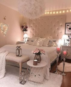 We love this girly Bedroom setting #bedroominspo #housegoals #bedroomgoals #bedroomideas #bedroom #inspiring #bedroomdecor #HOSHOMES #instahappy #homesweethome #instahome #inspiriation