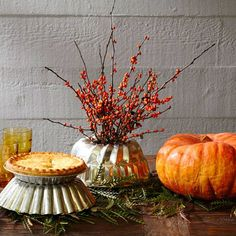 Keep it simple—but inviting—this Thanksgiving with any of 4 centerpieces using natural materials + containers you may already have at home: http://www.midwestliving.com/blog/life/4-inviting-thanksgiving-centerpieces/