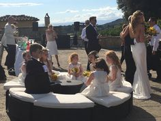 The bridal party for Wedding Italy !!! At Villa di Maiano with the beautiful view over Florence