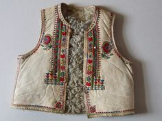 """Man's vest from Transylvania, Gyimes county, Gyimesfeksőlok village, 19th century. Home made leather tanning, called hungarian """"white tanning"""", decorated with embroidery. Using only for feast days. Costumes Around The World, Ethno Style, Textiles, Folk Embroidery, Leather Art, Embroidered Jacket, Folk Costume, Vintage Jacket, Boho"""