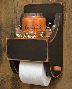 Smart DIY Rustic Toilet Paper Holder To Amazing Bathroom Decor 32 Diy Toilet, Primitive Decorating, Rustic Toilet Paper Holders, Rustic Toilets, Rustic Diy, Primitive Homes, Primitive Bathrooms, Amazing Bathrooms, Rustic House