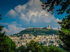 Tourig Italy Assisi St Francis Basilica http://www.divergenttravelers.com/short-guide-touring-italy/ #Perugia #assisi #Italy #RTW #Touringitaly