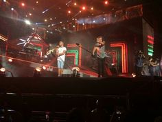 One Direction on stage in Washington DC (11/08/2014) #WWAT