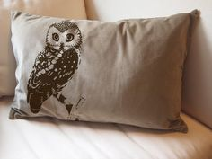 owl pillow-- this would be an easy DIY project
