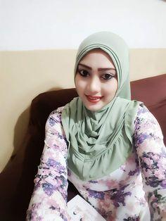 Blonde Beauty, Muslim Women, Hijab Fashion, Tik Tok, Hot, Instagram, Torrid, Street Hijab Fashion
