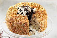 Πολύ εντυπωσιακή τούρτα µε µπεζέδες και αμύγδαλα κροκάν, σκέτη γλύκα.