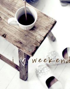 Tiempo para descansar, leer, pasear, comprar….y es que nos encanta disfrutar del fin de semana que empezaremos con un buen #cafe.