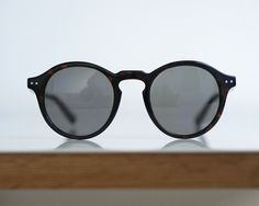 Folk and Frame Clausen Brown Tortoise