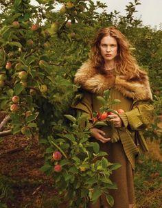 Natalia Vodianova by Annie Leibovitz for Vogue October 2014