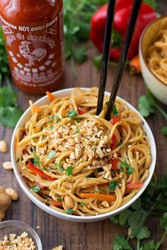 These 20 minute Thai noodle bowls are so easy to whip up! They& packed full of sweet and spicy Thai flavor.Posted for Culinary Quest 2016 Vegetarian Recipes, Cooking Recipes, Healthy Recipes, Thai Food Recipes, Top Ramen Recipes, Vegetarian Pad Thai, Asian Noodle Recipes, Spicy Recipes, Spicy Thai Noodles