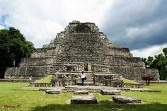 Recorriendo la Zona Arqueológica Chacchoben en Quintana Roo