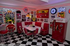 Diner+Pictures+From+the+1950 | corner booth adds to the 1950s feeling in Rick Burke's custom ...