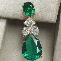 Sneak peek of one of our newest creations debuting in Vegas. Wait until you see the backs! Emerald Earrings, Emerald Jewelry, High Jewelry, Diamond Jewelry, Jewelry Box, Jewelry Accessories, Emerald Diamond, Vintage Costume Jewelry, Vintage Jewelry