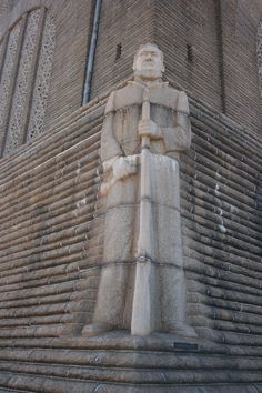 Hendrik Potgieter - Voortrekker Monument (Pretoria, South Africa) Pretoria, Red Sea, African History, South Africa, Egypt, Places To Go, Saudi Arabia, Country, Monuments