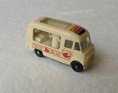 Vintage 1963 Matchbox Lesney Regular #47 Cream COMMER ICE CREAM CANTEEN, Mint - http://www.matchbox-lesney.com/26549