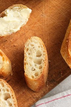 Easy Crusty Baguettes Recipe-Best baguette recipe I have tried so far. I added about a quarter cup extra water, used all-purpose flour, and baked on a cookie sheet for 20 minutes. They turned out great! Crusty Baguette Recipe, French Baguette Recipe, Crusty Bread Recipe Quick, Homemade Baguette Recipe, Bread Recipes, Cooking Recipes, King Arthur Flour, Tasty, Baguette