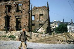 Zdjęcie numer 16 w galerii - W Warszawie ciągle ruiny, ale Pałac Kultury już stoi. I jest jeszcze biały. Niesamowite zdjęcia Amerykanina