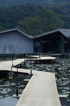 Heduli Paddy Hotel is located in Hedu Village, Heng River, Huizhou. It is a resort area integrating ecotourism, agricultural experience, and leisure vacation. Villa Architecture, Water Architecture, Landscape Architecture Design, Landscape Designs, Amazing Architecture, Landscaping Supplies, Garden Landscaping, Landscaping Melbourne, Landscaping Ideas