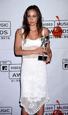"Fiona Apple, 1997 Mtv Music Awards, ""This world is bull"""