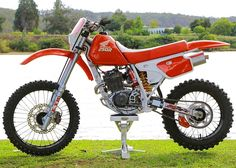 Honda Dirt Bike, Honda Motorcycles, Vintage Motorcycles, Cars And Motorcycles, Mx Bikes, Motocross Bikes, Road Bikes, 600 Honda, Honda Xr
