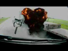 Truck Crashes Big Rig Accidents Big Truck Crashes 18 Wheeler Wrecks Semi...