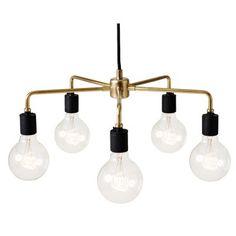 Leonard lysekrone fra Menu, designet av Søren Rose Studio. En lysekrone som er inspirert av 30-...